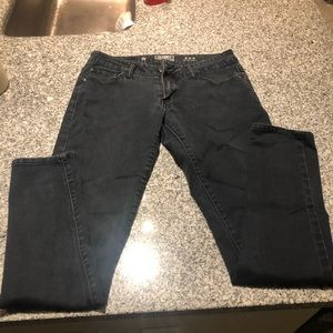 Low rise black skinny celebrity jeans size 5
